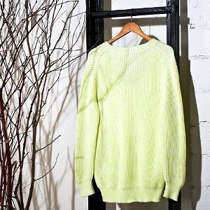 Вещи недели: 13 ярких свитеров — Вещи недели на The Village