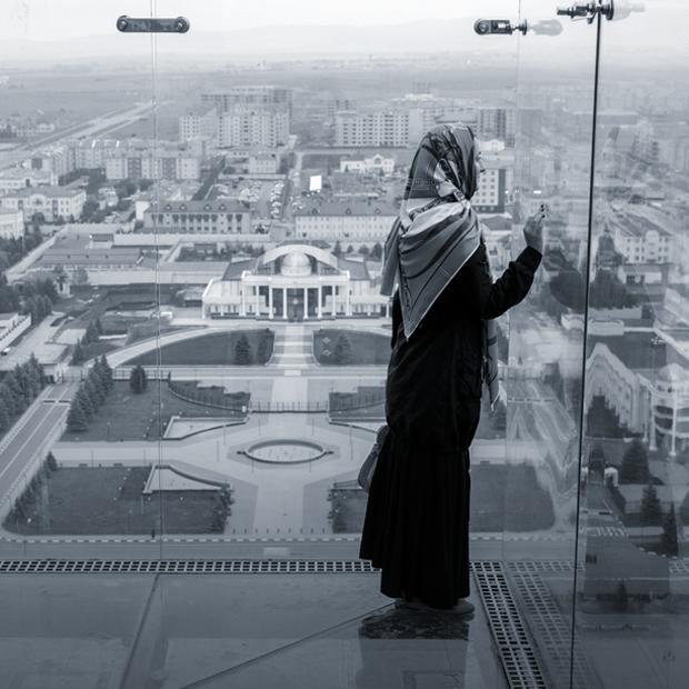 """«Лучшее слово, которое описывает происходящее на Северном Кавказе, — это """"шизофрения""""» — Интервью на The Village"""