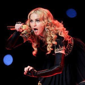 Святая, Мадонна: Видеослежка, плакаты и телефонный терроризм