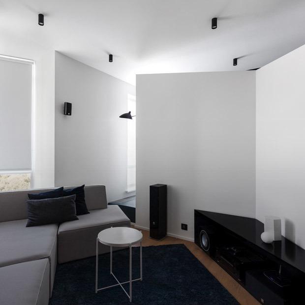 Сложная геометрия в минималистичной квартире в Сокольниках — Квартира недели на The Village