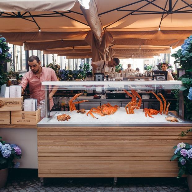 Ресторан Wine & Crab на Никольской — Место на The Village