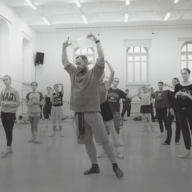 «Театр — это не музей»: Вячеслав Самодуров о том, как делает Оперный современным — Интервью на The Village