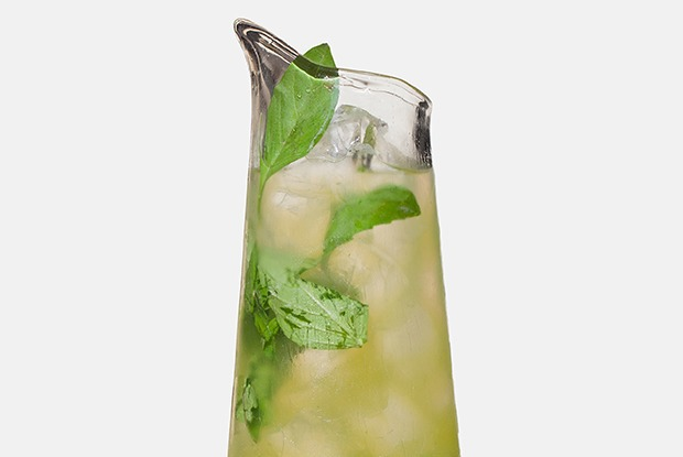 Три лимонада: с лемонграссом, барбарисом и каркаде, малиной и маракуйей