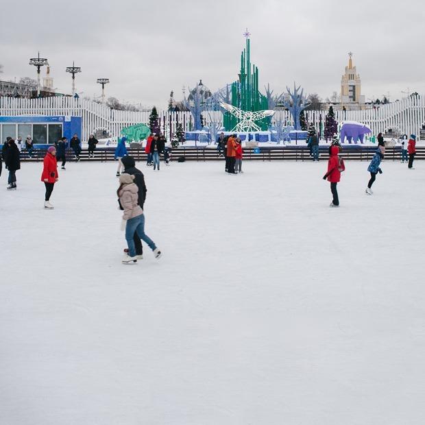 Самый большой в мире каток и северное сияние: Зачем идти в парки этой зимой — Гид The Village на The Village