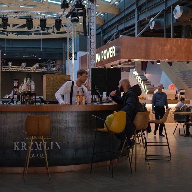 Как устроен Eat Market в ТРЦ «Галерея» — большой фуд-холл в центре Петербурга — Гид The Village на The Village