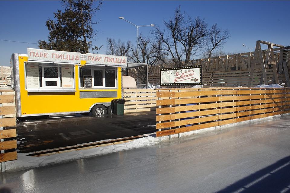 На колёсах: Как устроен бизнес московских передвижных кафе — Истории на The Village