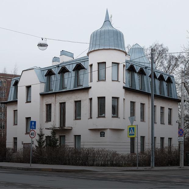«Я живу в особняке на Крестовском острове» (Петербург) — Где ты живёшь на The Village