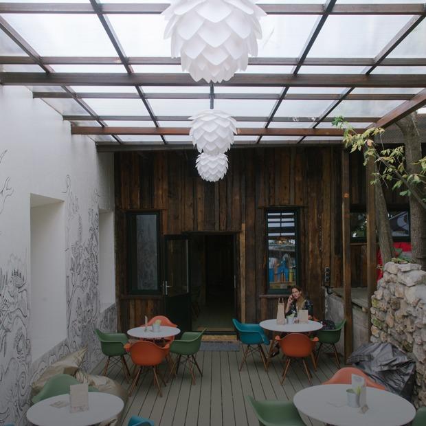 Вегетарианское кафе-лаборатория Groot — Место на The Village
