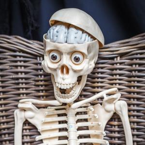 Как страшно жить: Чем украсить квартиру к Хеллоуину