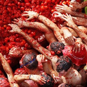 Битва помидорами в Испании в снимках Instagram — Галереи на The Village
