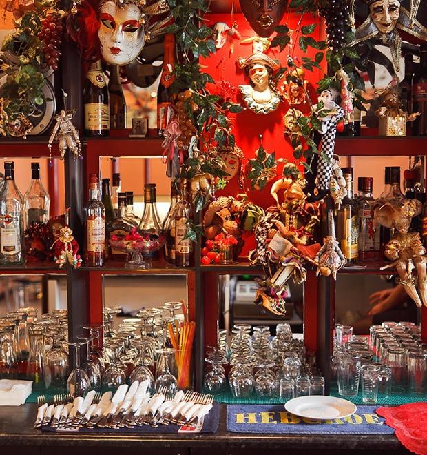 Все свои: Советское кафе «Коломбина» — Рестораны на The Village