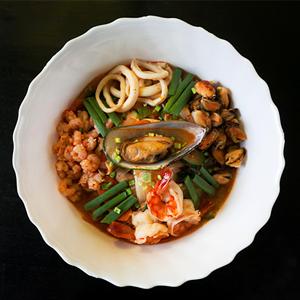 Корейский суп тямпон — Рецепты шефов на The Village