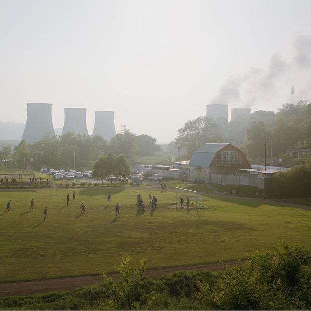 «Быт обычных людей»: Как жанр «Нового пейзажа» показывает Россию — Искусство на The Village