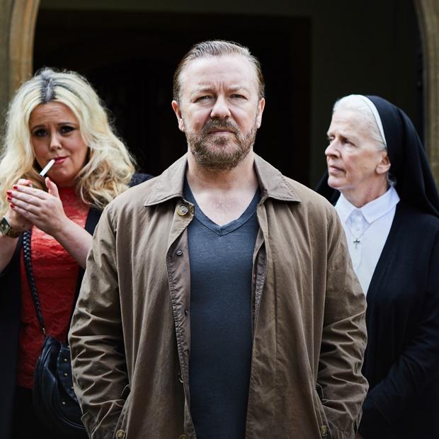 «После смерти»: Рики Джервейс снова шутит без фильтра на Netflix — Сериалы на The Village
