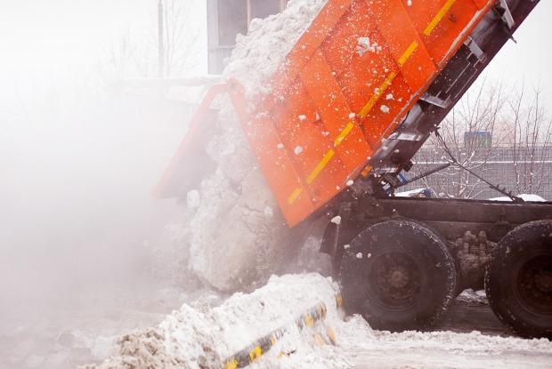Летел и таял: Как в Москве плавят снег — Фоторепортаж на The Village