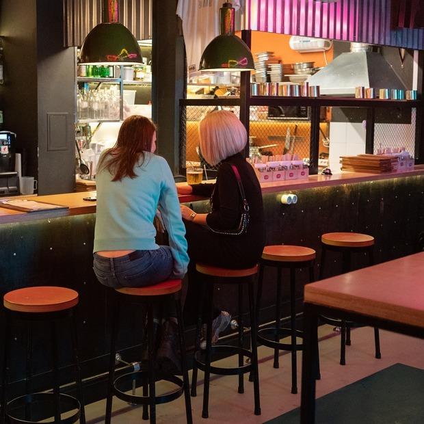 Рубинштейна и Некрасова — главные барно-ресторанные улицы Петербурга. Вот как они выглядят сейчас