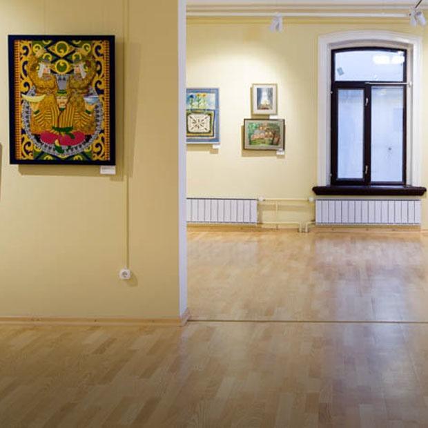 «Ангелы ходят рядом с нами»: Как выглядит новый Музей наивного искусства в Екатеринбурге — Искусство на The Village