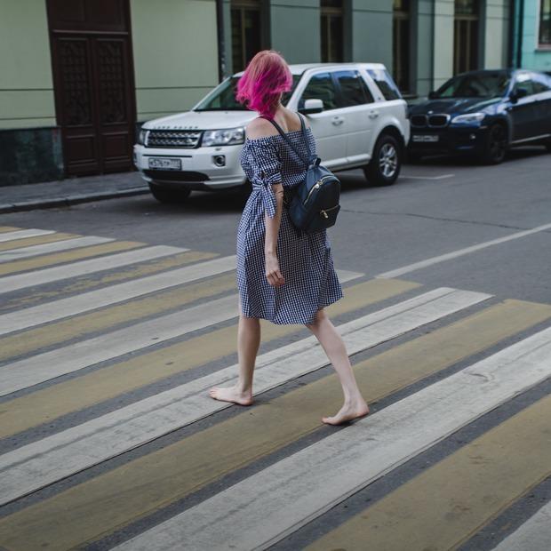 «Я хожу по Москве босиком» — Личный опыт на The Village