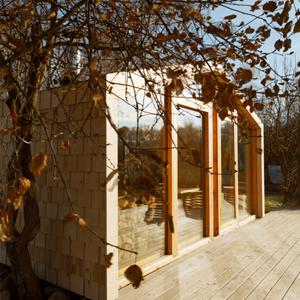 Дом-конструктор Ивана Овчинникова на 25 квадратных метрах — Дача недели на The Village