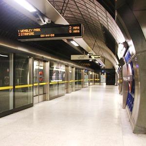Как метро Нью-Йорка, Мельбурна, Сеула стало безопасным видом транспорта  — Иностранный опыт на The Village