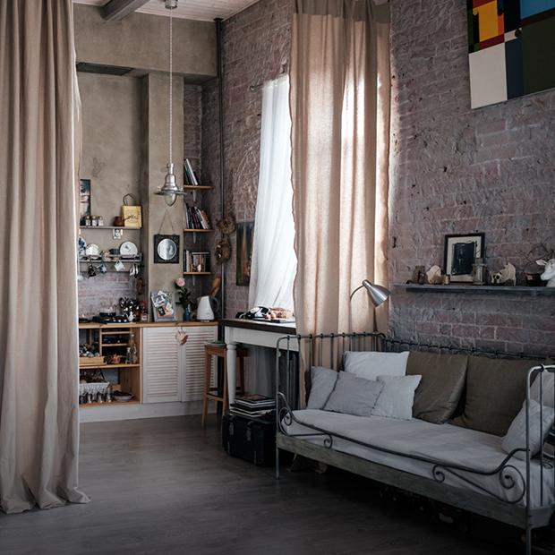 Светлая двухуровневая квартира-мастерская фотографа на Грузинке — Квартира недели на The Village