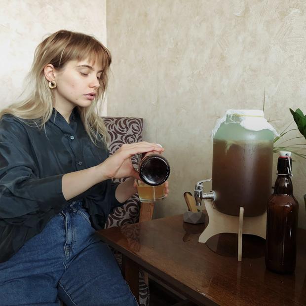 «Гриб мной управляет»: Владельцы чайного гриба — о ферментации, комбуче и хорошем настроении  — Люди в городе на The Village