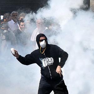 Как у них: Чего требуют на митингах жители Афин, Минска, Тель-Авива и Гонконга — Как у них на The Village