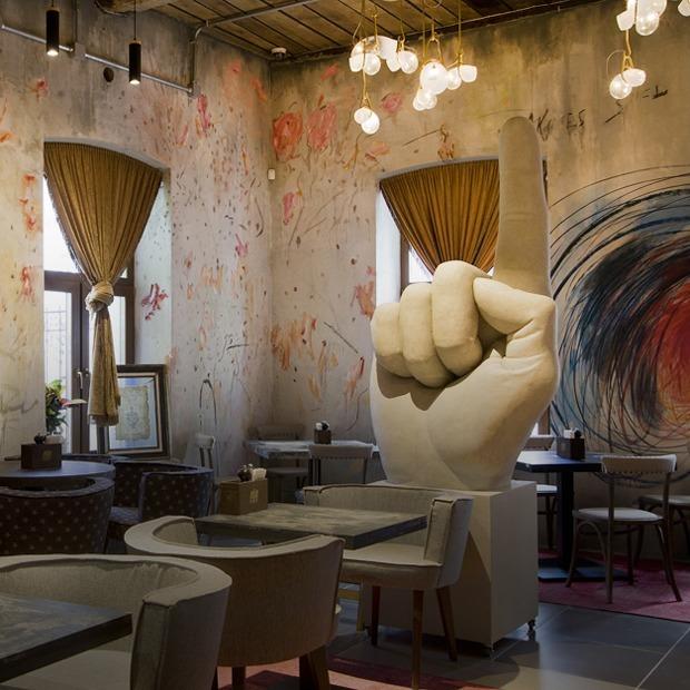 Место. Мясной ресторан «Ребра» в особняке на Сакко и Ванцетти — Малышева