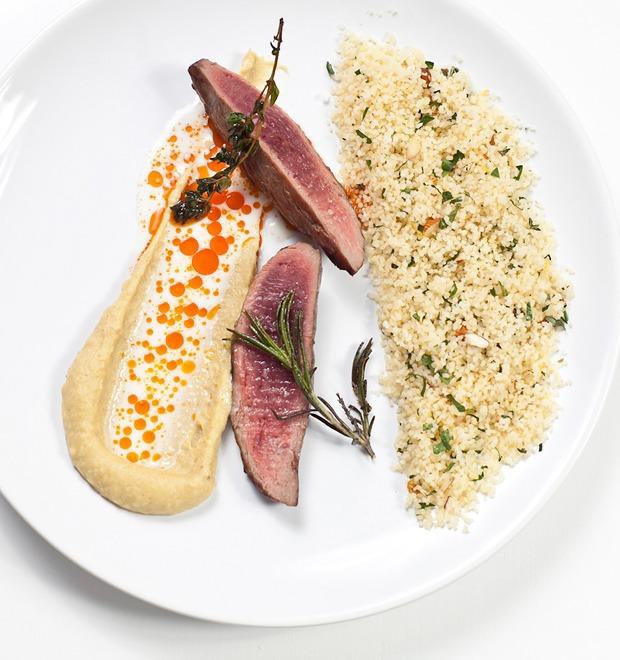 Шеф дома: Ягненок, хумус и облепиховый десерт шефа «Стрелки» — Шеф дома на The Village