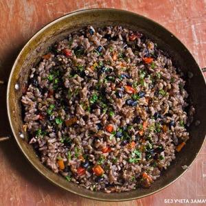 Рецепты шефов: Рис с бобами и пряностями «Мавры и Христиане» — Рецепты шефов на The Village