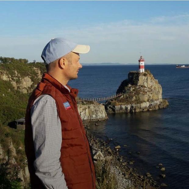 Максим Каленник — о маяке Басаргина — Любимое место на The Village