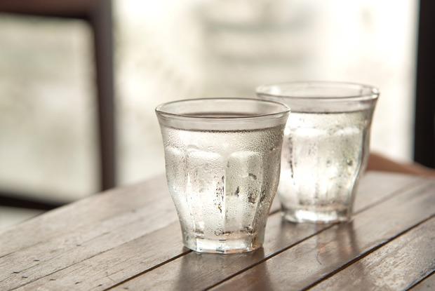 Нужно ли выпивать два литра воды в день?