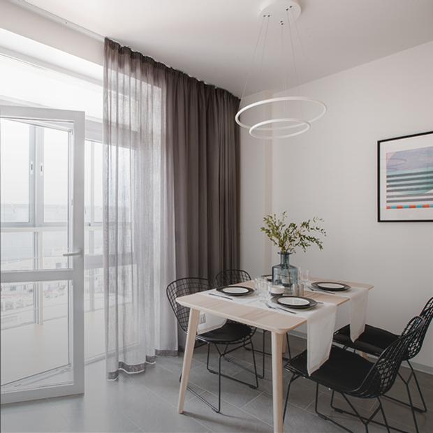 Долговечный минимализм с видом на «Екатеринбург Арену» — Квартира недели на The Village