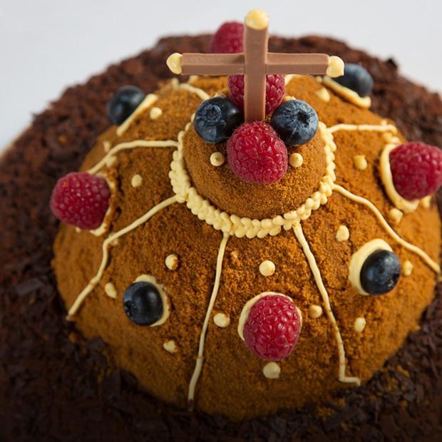 Шоколадные купола: Кондитеры готовят альтернативные торты Москвы — Еда на The Village