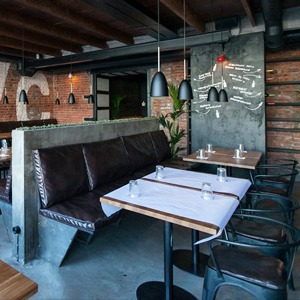6 баров и ресторанов, открывшихся в апреле — Новое в Петербурге на The Village