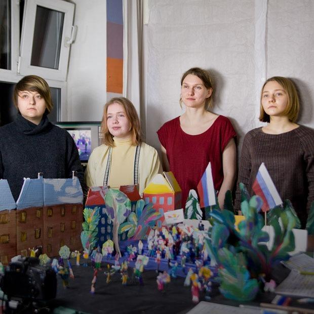 Авторы сериала «Что я здесь делаю?» — о бездомных, Навальном и кукольной анимации — Индустрия на The Village