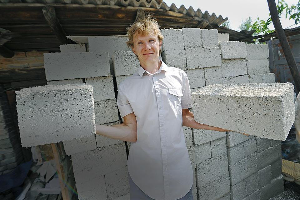 «ЮФО-Переработка»: Как волгоградский юрист стал делать стройматериалы из отходов — Сделал сам на The Village