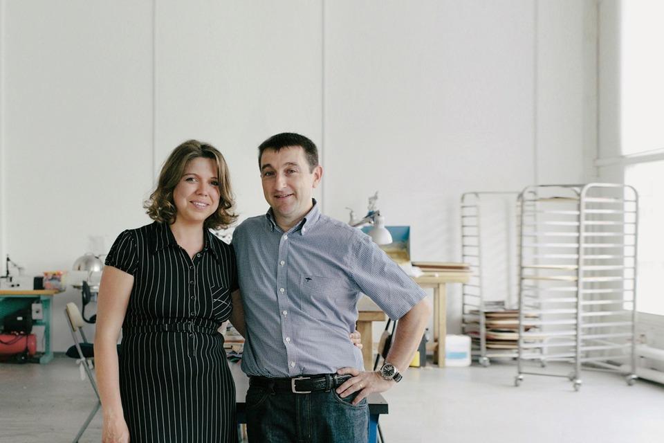 «Марсель Роберт»: Как семейная пара поставляет чехлы для айфона в re:Store и скайшопы — Эксперимент на The Village