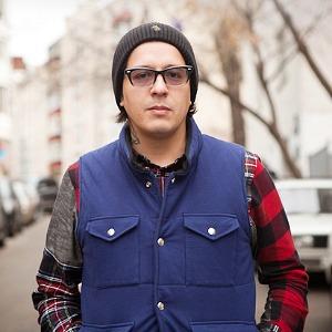Внешний вид: Дмитрий Оскес, куратор и соорганизатор Faces & Laces — Внешний вид на The Village