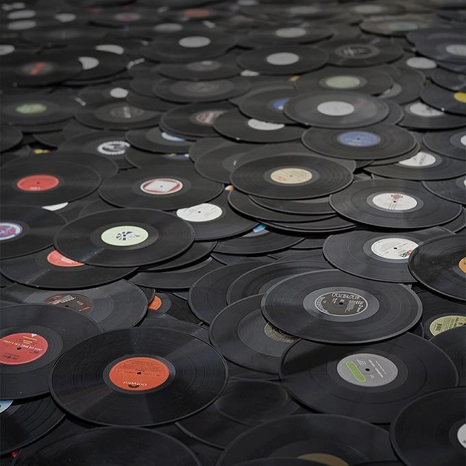 Universal позвонит: Почему удаление музыки во «ВКонтакте» пойдёт на пользу рынку — Будущее на The Village