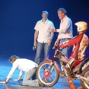 События недели: Top Gear в «Олимпийском», Hadouken!, «Фотобиеннале-2012» и Генри Мур в Кремле — События недели на The Village