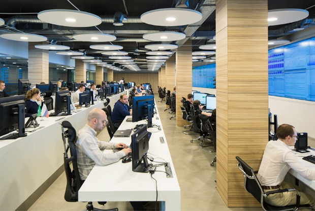 Как работает центр управления сетью «Мегафона»