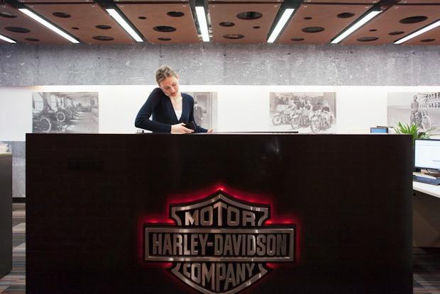 Как работают в Harley-Davidson — Офис на The Village