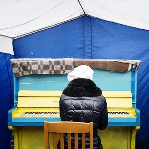 Музыка нас связала: Под какие песни проходили протесты на Украине, в России, Египте, Турции и США — Ситуация на The Village