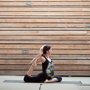 Выбор Шахри: Йога и здоровый образ жизни — В цвете дня на The Village