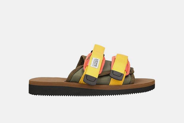 Вместо кроссовок: 16 пар открытой обуви на лето