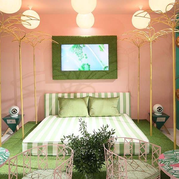Субтропический интерьер: принты растений и птиц в квартирах и домах — Дизайн-хак на The Village
