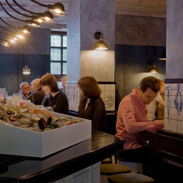 «Крабы, гады и вино» на Хохрякова — Место на The Village