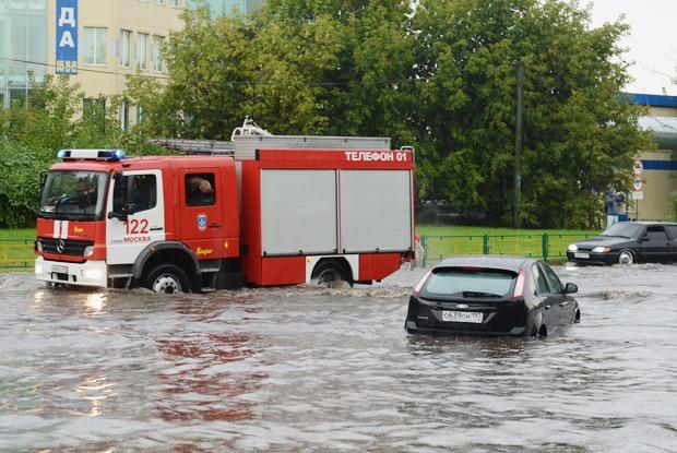 Она утонула: Почему на выходных затопило Москву