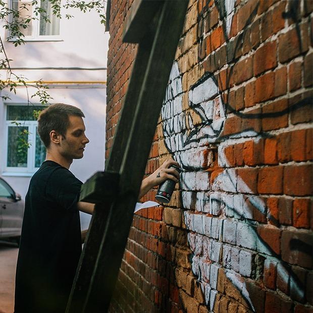 «Я не жалею, когда уничтожают мои работы — это часть стрит-арта» — Интервью на The Village